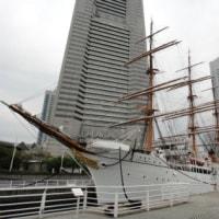 ヨコハマを歩く ランドマークタワーと帆船日本丸から謎の目的地へ