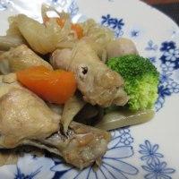 再び魔の電話が~    鶏手羽元と根菜の煮物