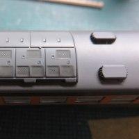 クーラーへの墨入れ KATO製165系旧製品の色差し(その13)