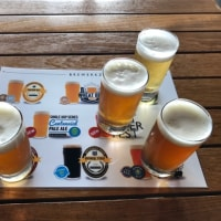 BREWWRKZ SENTOSA BOARDWALKでビールを飲む