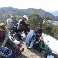 ㉒ 鈴ヶ峰山~鬼ヶ城山縦走登山 : 昼食風景  UP5日目
