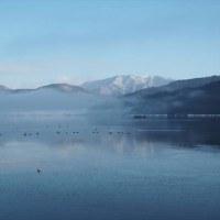 雪景色の余呉湖