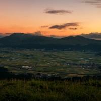阿蘇谷の時々刻々と変わりゆく空の彩 《熊本県阿蘇市》