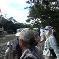 違法状態で砂利を搬送するN1表ゲート近くの作業ヤードの様子。