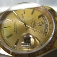 ロレックスの紳士物、金の時計を修理です