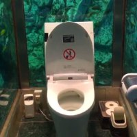トイレ水族館