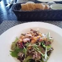 イタリア気分で浅草ランチ1:こんもりサラダ