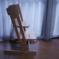 中孫が手作り椅子に挟まったの巻
