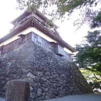「史跡探訪」丸岡城は、福井県坂井市丸岡町霞にあった日本の城である。別名霞ヶ城。江戸時代には丸岡藩の藩庁となった。