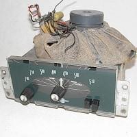 シトロエン アミ6 (1967) 用 Continental Edison の 中波+長波ラジオ