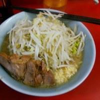 お昼に新宿なら・・・・。歌舞伎町 二郎 野菜ニンニク少し 【13日】