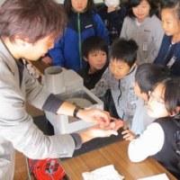 5年生が甲州水晶について学習しました。