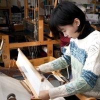 台湾からの留学生が織物研究にやってきた。