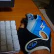 スケスケペラペラ手袋・マウスを持つ手が冷たい