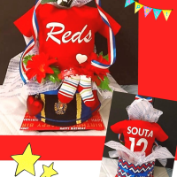 Reds ⚽ オムツケーキ