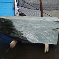 うちぬき石彫公開制作