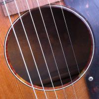 ギター「MASH Collection」を放出!No,1「誰も見たことの無い30年代グレッチ(Gretsch)ラウンドホール」は、どうだ!(其の2)