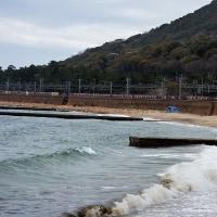 須磨の浜波高し