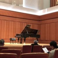 昨日はピアノリサイタルに行ってきました。