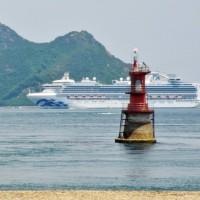バリィさんもびっくり!今治市の来島海峡に巨大客船(ダイヤモンドプリンセス)がやって来ました