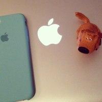 iPhone 7用の純正シリコンケース