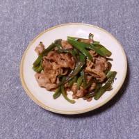 つまみ 牛肉とピーマンの甜麺醤炒め