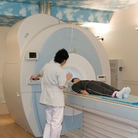 MRIで肩の検査