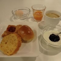 進々堂のパンで朝ごはん