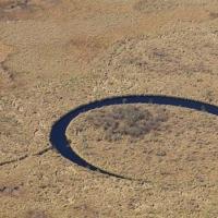完璧な円形を描く浮遊する島が南米で発見