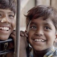 インド映画「ピザ!」、新規開店のピザ屋のピザが食べたさに、子供たちが奮戦!