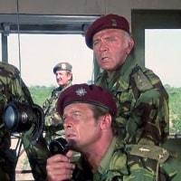 映画 ワイルド・ギース(1978) 三代目ジェームズ・ボンドが出演しています