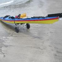 奇麗な砂浜絵、平日カヤックで夏を感じた日