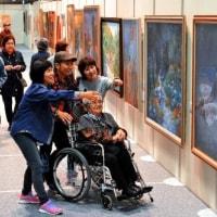 芸術の春、到来 第69回沖展が開幕 浦添市民体育館