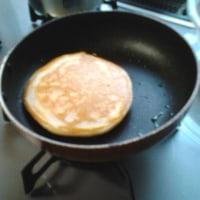 朝ご飯のパンケーキ作るで!