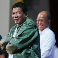 安倍首相の「お子ちゃまバラマキ外交」を手玉に取ったフィリピンのドゥテルテ大統領の「日中両天秤外交」。