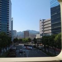 海と山 色彩豊かな神戸