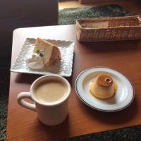 詩花シフォンケーキとプリンとコーヒー