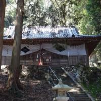 武田八幡宮と南アルプス
