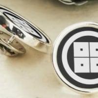 家紋デザイン「丸に隅立て四つ目」