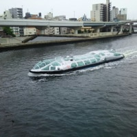 あの水上バスを両国橋から