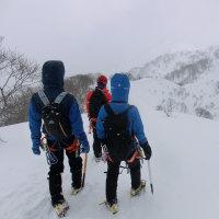 【YFクラブ】2/26 AMC2ndSTEP 雪洞&鍋&谷川岳(その2)