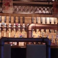 国産クラフトビールが味わえる肉バル「バーレイウィート」