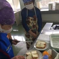 サンドウィッチ作り(6年生)