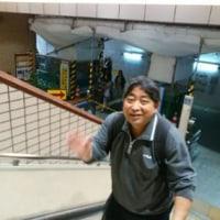 ♪ やっぱり、我らは笛吹応援団! 甲府の駅で再確認…