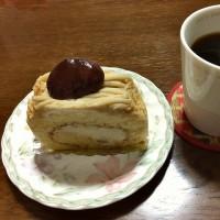 ショータニの「ロールケーキ」でお茶の時間(^^)
