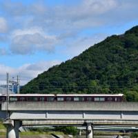 猪名川を渡る阪急電車