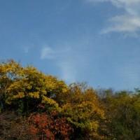 天平の秋の空