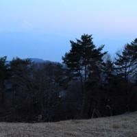 甲斐駒ケ岳に沈む細月 帯那山  平成29年3月29日