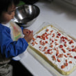 苺のもちもちロールケーキ