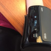 オムロン 上腕式血圧計 HEM-7600T ②